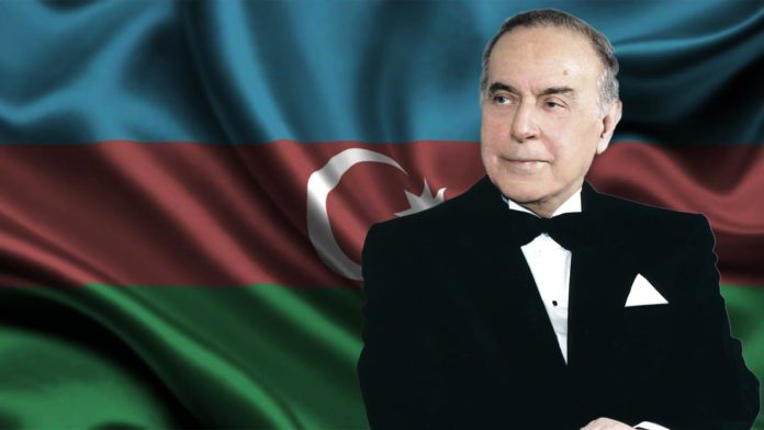 HAYDAR-ALİYEV-AZERBAYCAN-696x392